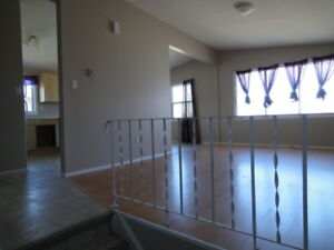 LARGE 3 BEDROOM DUPLEX, 1150 SQ FT, 1 1/2 BATHS, $950/MO