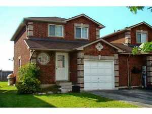3 Bedroom house for rent in South Barrie Available now