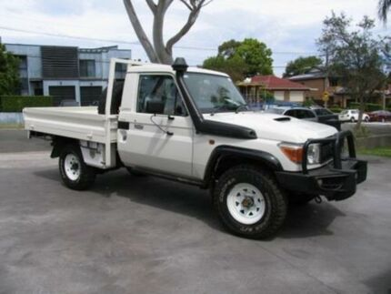 2014 Toyota Landcruiser VDJ79R MY12 Update GX (4x4) White 5 Speed Manual Cab Chassis Roselands Canterbury Area Preview