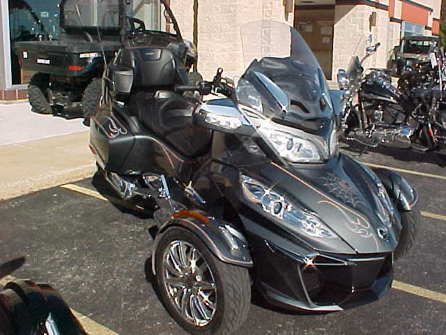 2017 Can-Am RT-S Limited  2017 Can-Am Spyder RT Limited