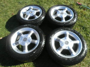 205-55-16 Momo Rims With General Tires...