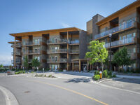 VIEW Level Entry 2 bedroom in Sun Rivers *3116-1040 TALASA Crt*