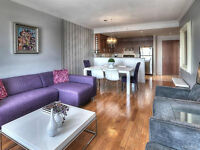 GORGEOUS 2 BEDROOM CONDO-PARKING INCLUDED!!!