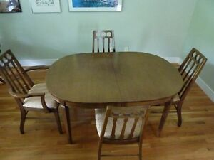 Mid Century Modern Walnut Knechtel Dining Table & 6 Chairs
