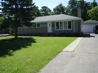 $1200 INCL - GREAT LOWER 3 BDRM NEAR UWO