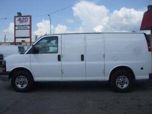 "GMC Savana Cargo Van RWD 3500 135"" 2012"