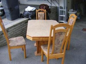 Wood Dining Room Table & 4 Chairs