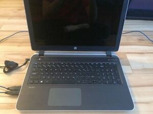 rdinateur portable laptop HP 8GB de Ram, 1TB de disque dure.  je