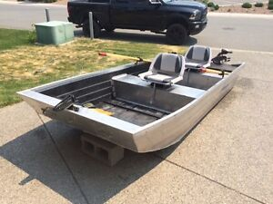 Share Flat bottom aluminum fishing boats