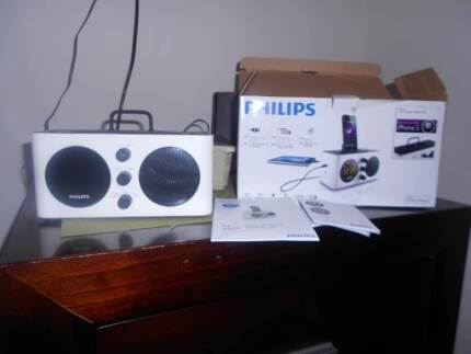 Phillips dual alarm clock radio docking station for iphones Clearview Port Adelaide Area Preview