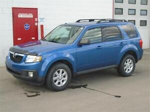 2009 Mazda Tribute GS AWD -- Sunroof, Leather, Low km -- $10,900