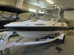 2004 REGAL 1800 LSR / V6 190 HP & WAKE TOWER