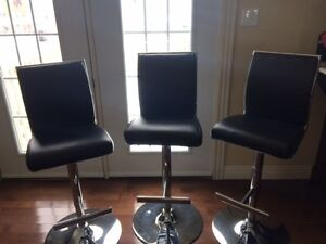 Leather Bar Stools in Perfect Condition!