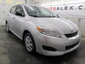 2011 Toyota Matrix 28$/SEMAINE AUTOMATIQUE 39,900KM