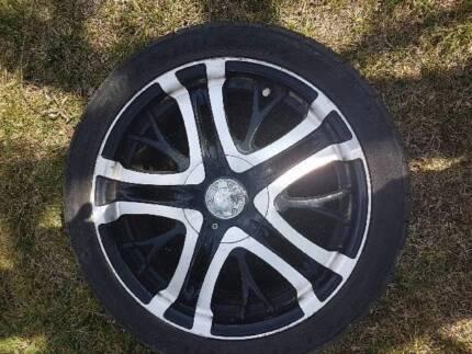 """BA Falcon Invictus 18"""" wheels/tyres"""