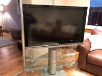 40' Sony Digital Colour TV (Model number KDL-40W4000) Ideal for a student flat.