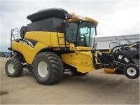 CR970 New Holland Combine