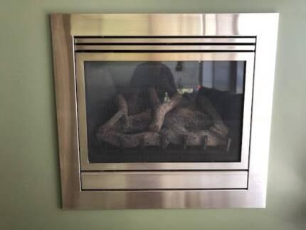illusion inbuilt gas log fire Lilydale Yarra Ranges Preview