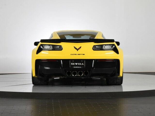 2016 Yellow Chevrolet Corvette Z06 3LZ | C7 Corvette Photo 5