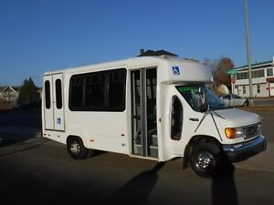 2003 Ford Other Goshen Coach Other
