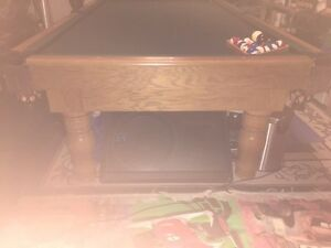 "9 X 5 -1 1/2"" Slate Pool Table with rack, cues, balls and light Peterborough Peterborough Area image 3"