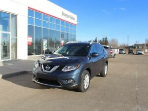 2016 Nissan Rogue SV AWD, panoramic roof, backup cam