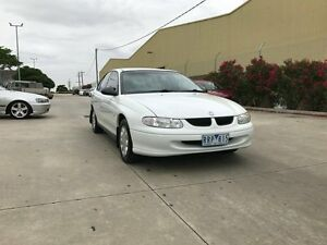 1999 Holden Commodore VT Executive White 4 Speed Automatic Sedan Newport Hobsons Bay Area Preview