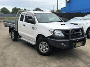 2010 Toyota Hilux KUN26R MY10 SR Xtra Cab White 5 Speed Manual Cab Chassis Kings Park Blacktown Area Preview