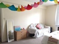 Huge double room in Notting Hill/Bayswater