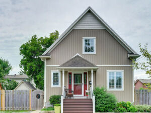 ♥♥ JUST LISTED and MOVE IN READY by the Beach !! ♥♥