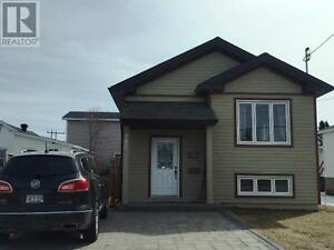 Newly priced turnkey 4yr old bungalow