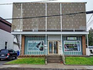 Quadruplex à Valleyfield semi-commercial