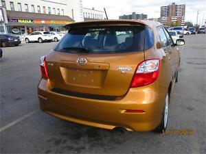 2010 TOYOTA MATRIX XR WITH ONLY 90000KMS.CLEAN CARPROOF