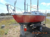 LEISURE 17,MAIN AND FORESTAY ROLLER REEFING,5HP MARINER O/B,ROAD TRAILER,DANFORTH ANCHOR AND CHAIN.