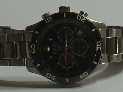 MANS SEIKO CHRONOGRAPH WATCH BLACK DIAL,BEZEL MODEL 6T63-00EO ALL S/S NICE