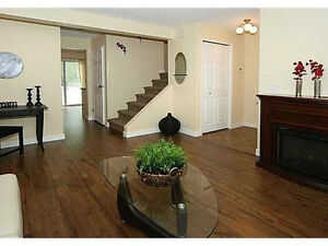 Townhouse in Woodbine  SW for rent