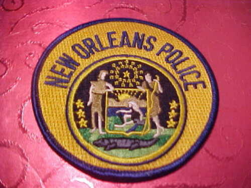 NEW ORLEANS LOUISIANA POLICE PATCH SHOULDER SIZE UNUSED REGULAR ISSUE  3 1/2 IN