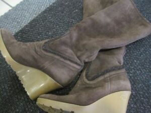 GUCCI SHEARLING BOOTS - almost new