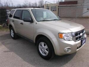 2011 Ford Escape XLT Loaded! 2 Year Warranty!!!