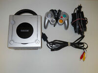 ***SILVER NINTENDO GAMECUBE SYSTEM + MANY GAMES AVAILABLE!!!***