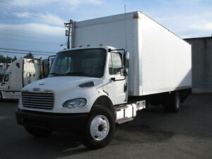 2009 Freightliner M2 w/26' Box & Tailgate