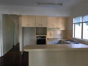 Second Hand kitchen for sale at Margate Hamilton Brisbane North East Preview