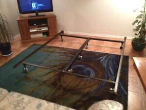 STURDY KING BED FRAME WITH CENTRE BAR & 3 CASTERS