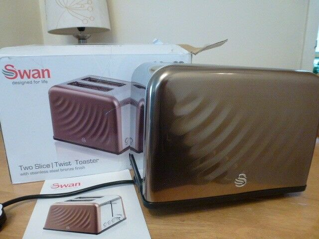 "SWAN "" BRONZE "" PATTERNED 2 SLICE TOASTER--BOXED"