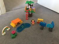 Mega bloks - Dora the Explorer and other Dora figures.