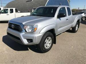 2013 Toyota Tacoma 4x4 *1-OWNER/ NO ACCIDENTS/ EXTRA CLEAN*