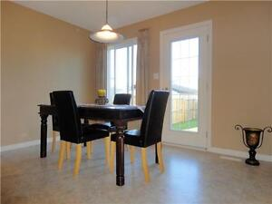 Immaculate 3-bedroom, 2-story; park/trail/lake steps away! Strathcona County Edmonton Area image 5