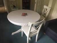 Ingatorp extandable table with 5 Ingolf chair white