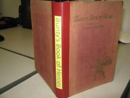 Bunty's Book of Heroes by Herbert Hayens