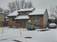 Bungalow Pierrefonds...move in condition